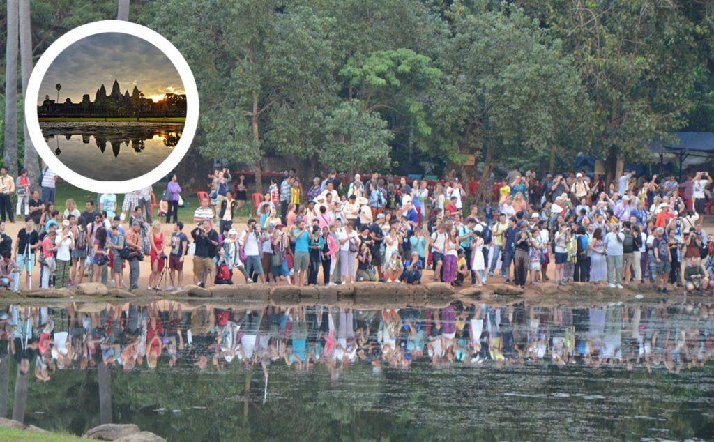 Angkor wat, Kambodža. Dav ľudí