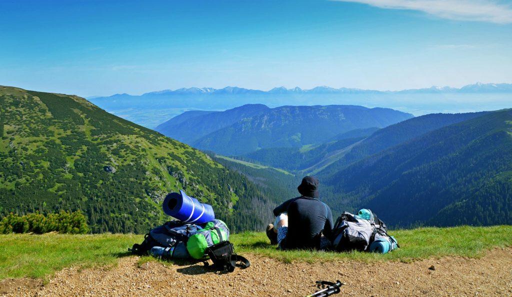 Na hrebeni si robíme niekoľko krátkych prestávok a užívame si výhľady. Počasie je naozaj na jednotku.