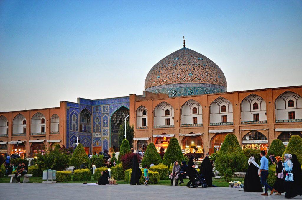 Ďalšia mešita, ktorá zdobí námestie v Isfaháne: Sheikh Lotfollah