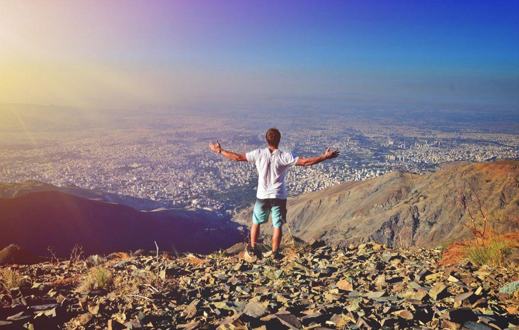 Ďalší deň som pokračoval na vrch Tochal. Podomnou sa rozprestieral 10 miliónový Teherán.